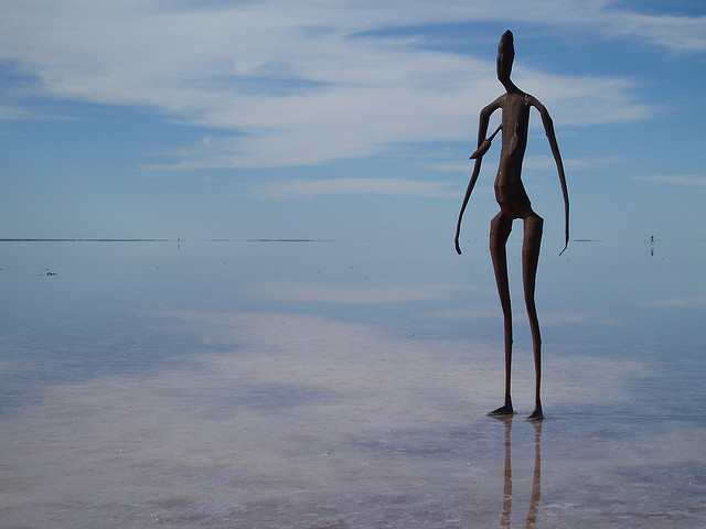 AATW--Australia statue horiz